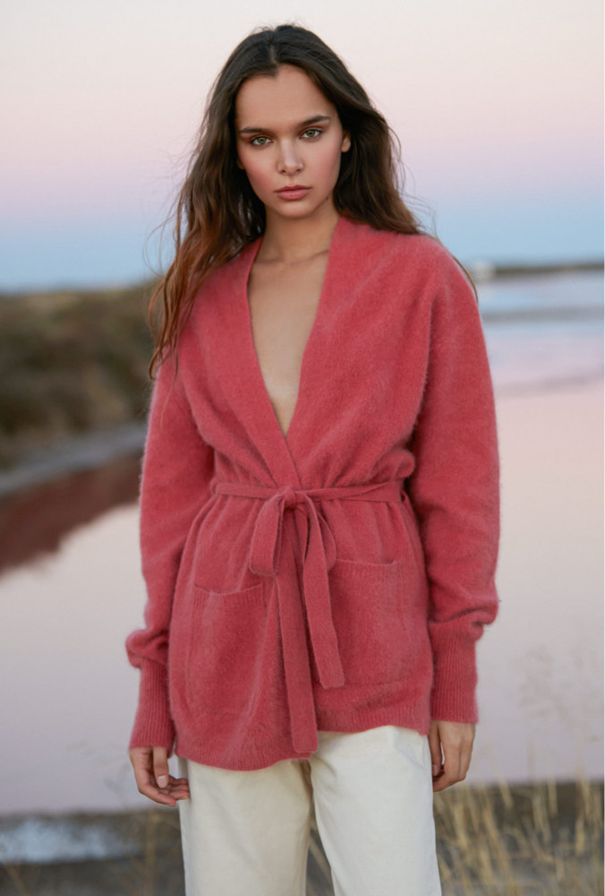collection-printemps-ete-2021-cardigan-createur-clari-coloris-rose.jpg