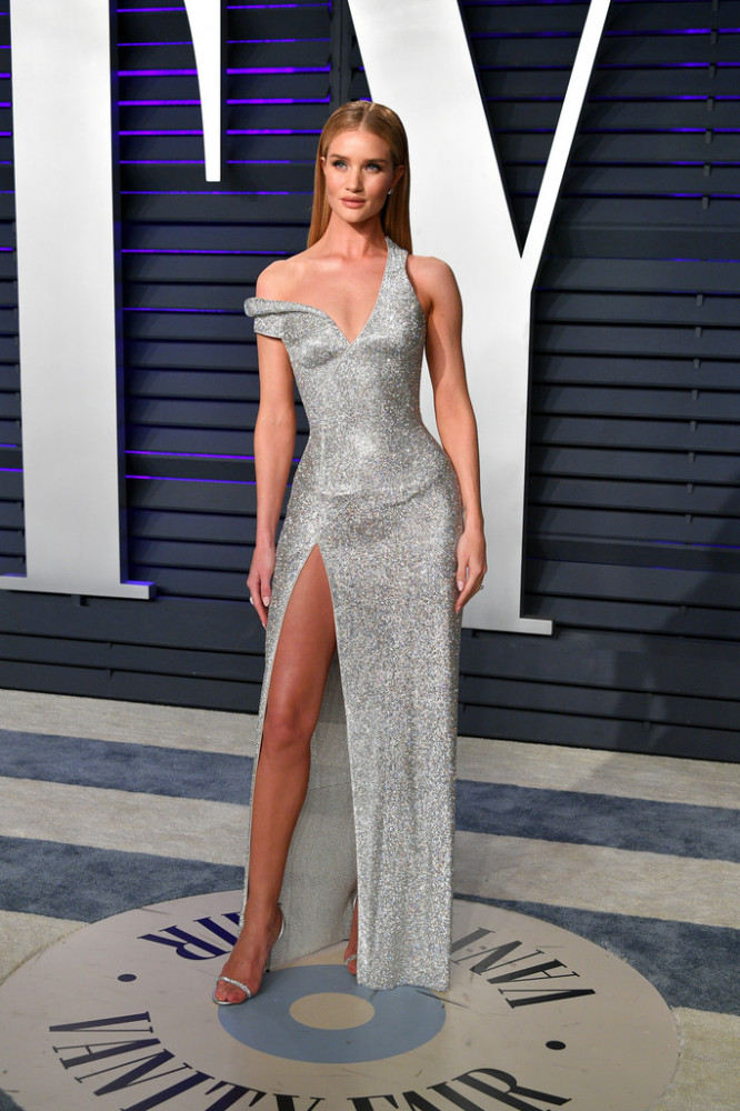 rosie-huntington-whiteley-2019-vanity-fair.jpg